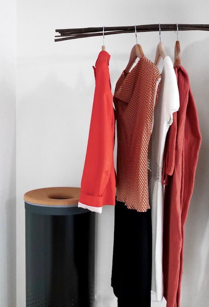 panier à linge design blanc brabantia salle de bain terracotta corbeille liège - blog déco - Clem Around The Corner