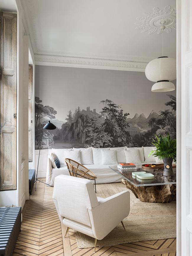 canapé lin blanc parquet chevron pied-à-terre parisien - blog déco - Clem Around The Corner