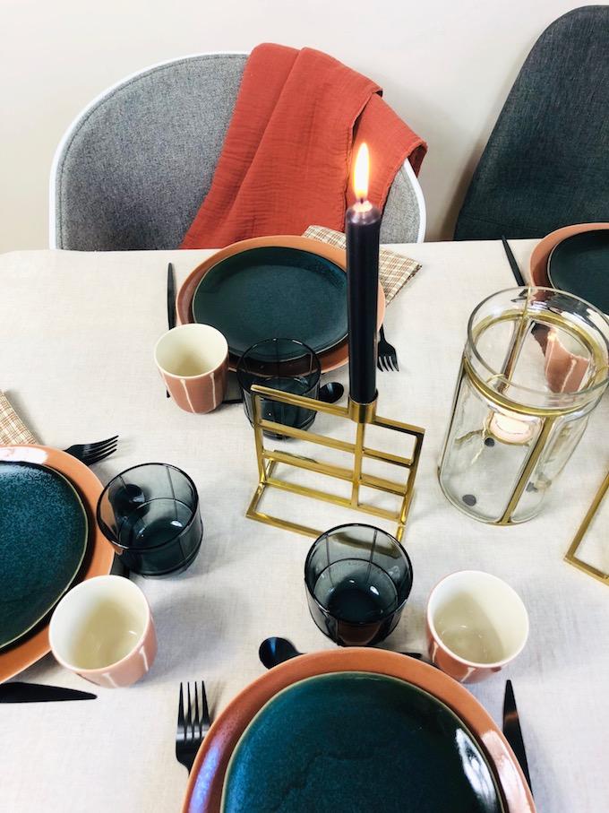 décoration table d'automne orange noir bleu nuit nappe - blog déco - Clem Around The Corner