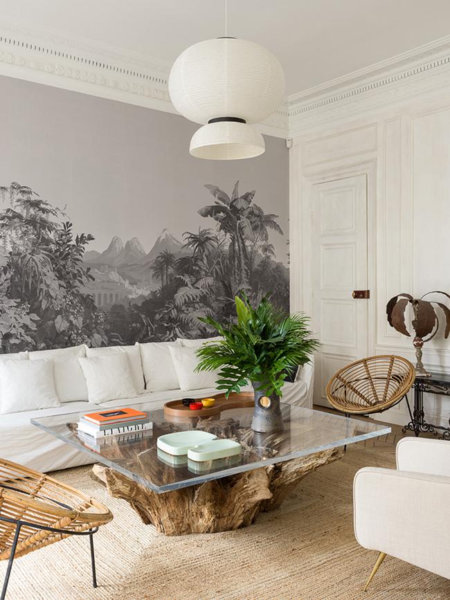 salon table basse rondin tronc arbre pied-à-terre parisien - blog déco - Clem Around The Corner