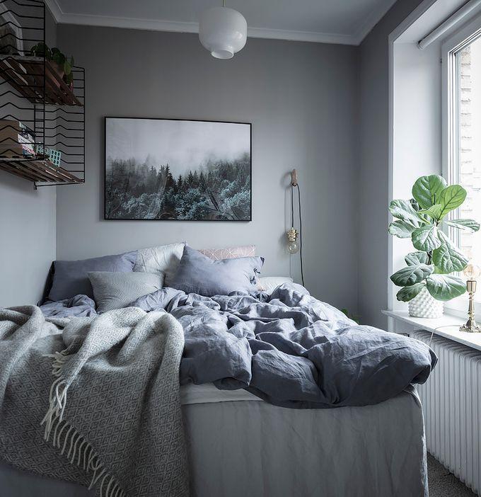 déco en noir et blanc chambre lit radiateur coussins plaid blog déco clem around the corner