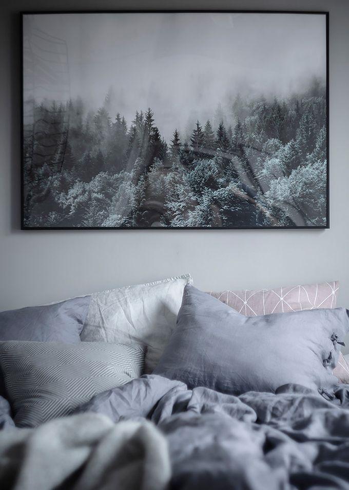 déco en noir et blanc chambre tableau forêt neige hygge blog déco clem around the corner