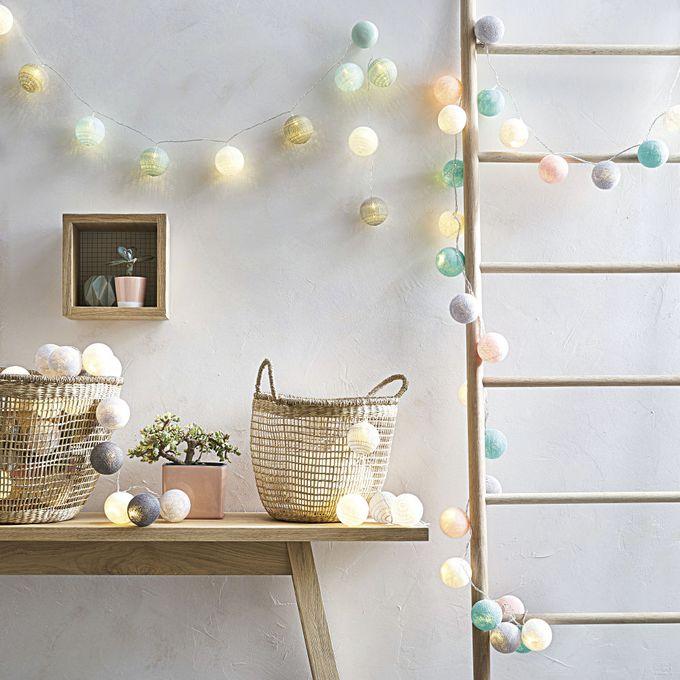 passer son appartement en mode hiver guirlande lumineuse blog déco clem around the corner