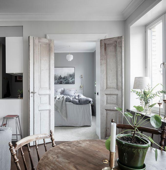 déco en noir et blanc lit double porte vintage blog déco clem around the corner