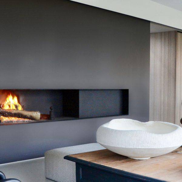 Peinture écologique avis Pure & Paint décoration cheminée horizontale noire - blog deco - clem around the corner