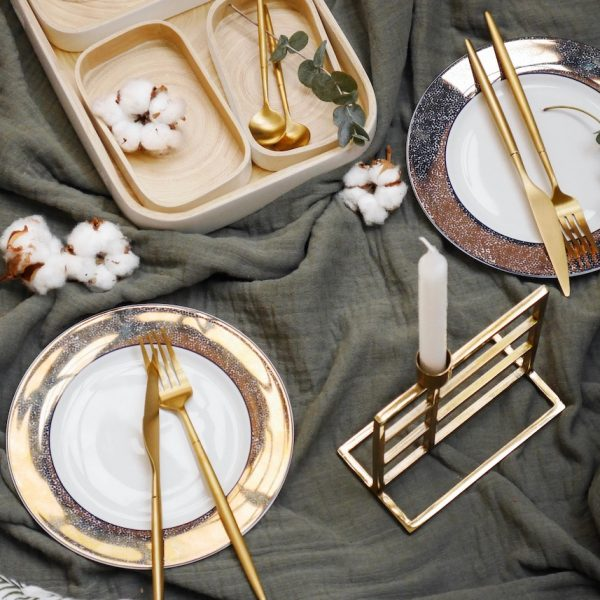 dîner romantique de Noël décoration verte sapin dorée art déco design - blog déco - Clem around the corner