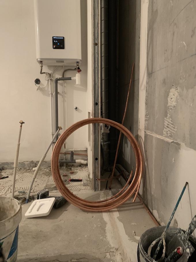 travaux rénovation salle de bain chauffe eau extra plat - blog deco - clem around the corner