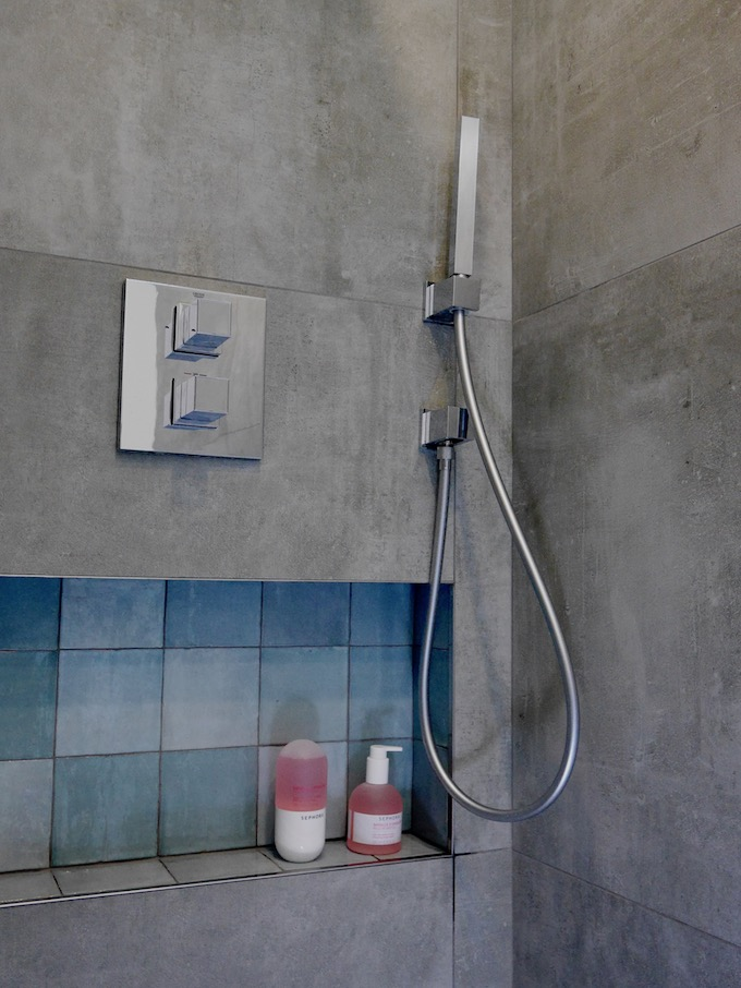 avant après salle de bain douche grés cérame béton cité niche zellige - blog déco - clem around the corner