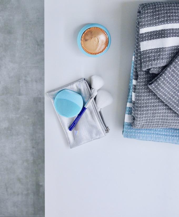 avant après salle de bain foréo massage connecté visage avis - blog déco - clem around the corner