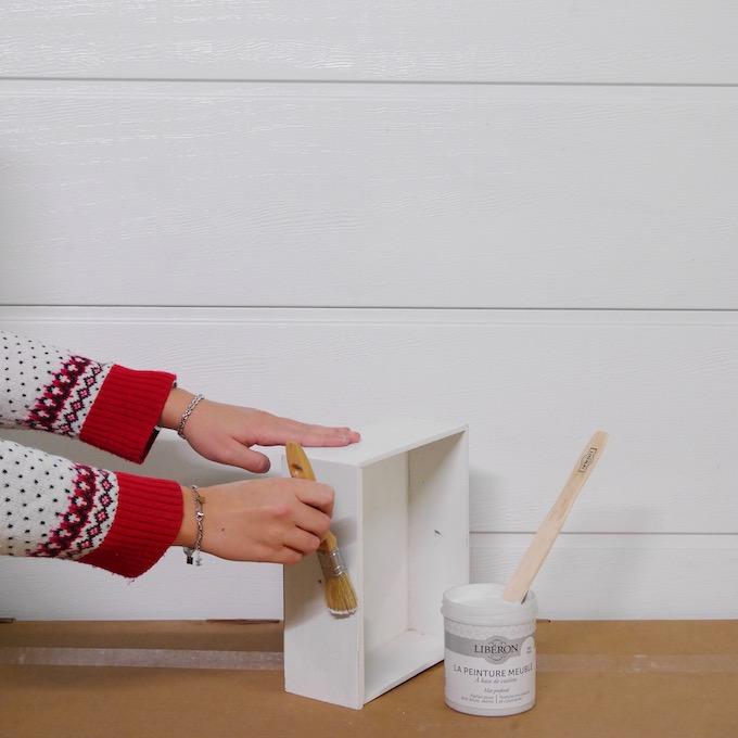 customiser une table de chevet technique repeindre un meuble - blog déco - clem around the corner