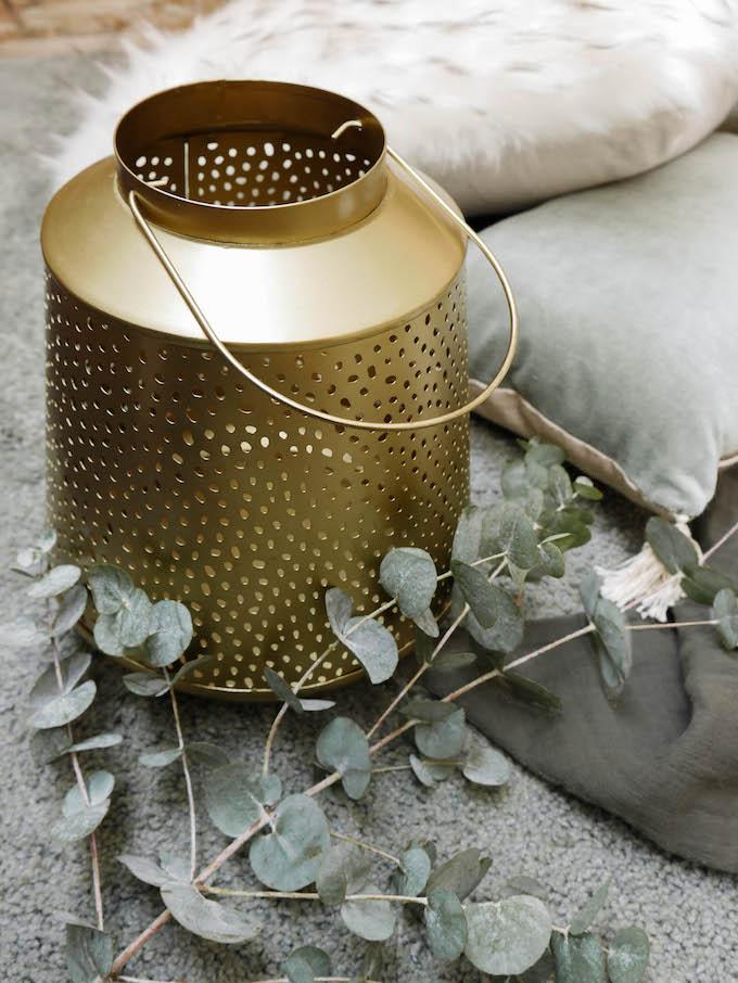 diner romantique de Noël lanterne dorée design métal - blog déco - Clem around the corner