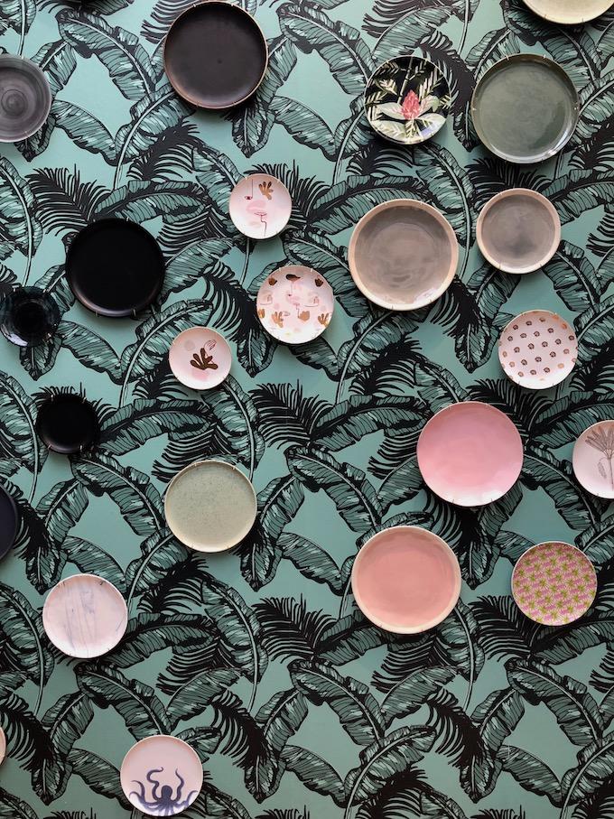 monoprix déco 2019 printemps été tropical papier peint assiettes rose noir gris blog déco clem around the corner