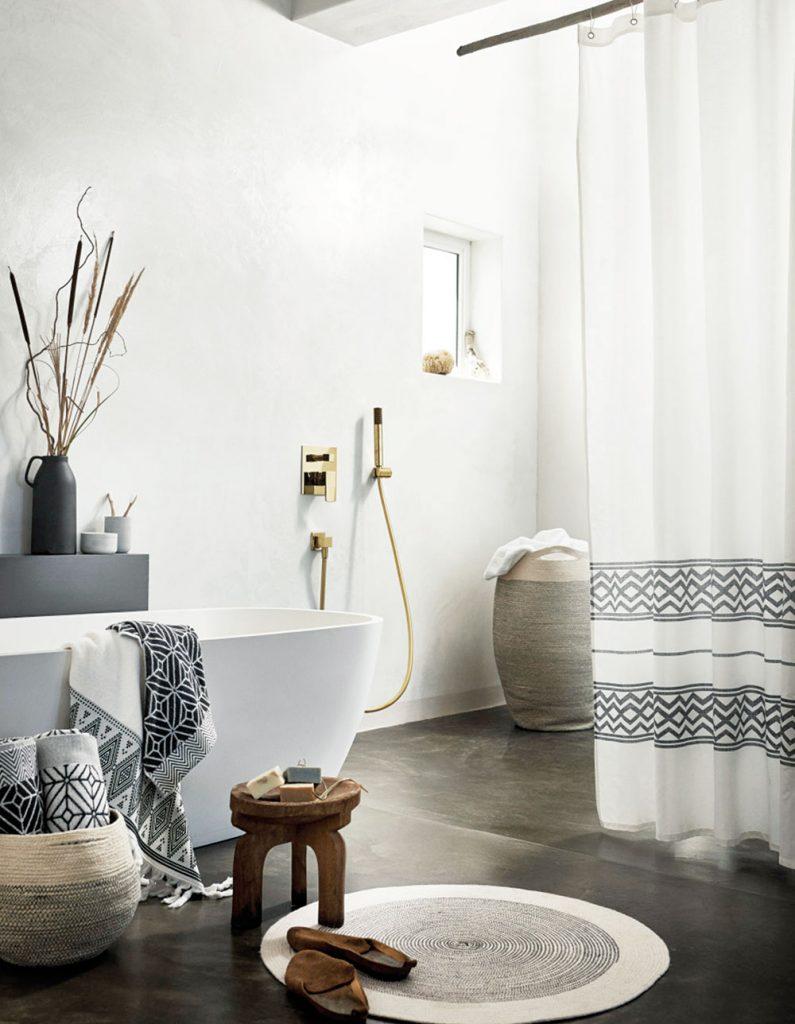 tapis rond salle de bain bois - blog déco - clem around the corner