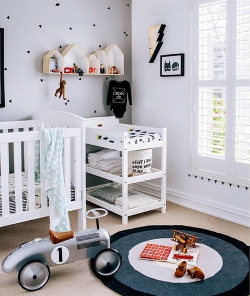 tapis rond chambre enfant voiture lit - blog déco - clem around the corner