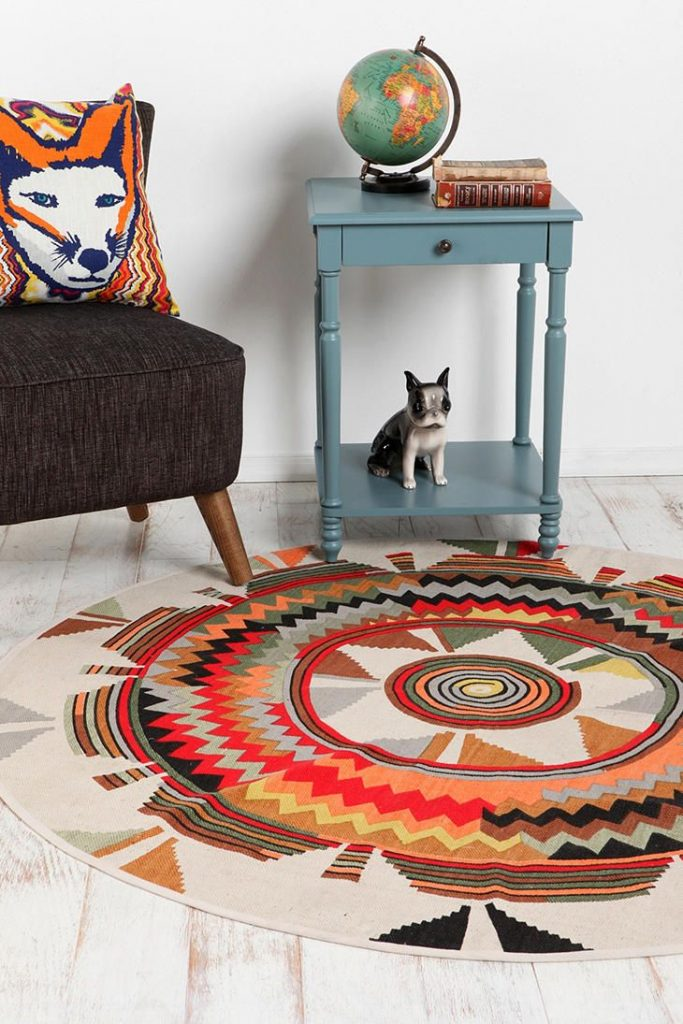 tapis rond style ethnique rouge - blog déco - clem around the corner