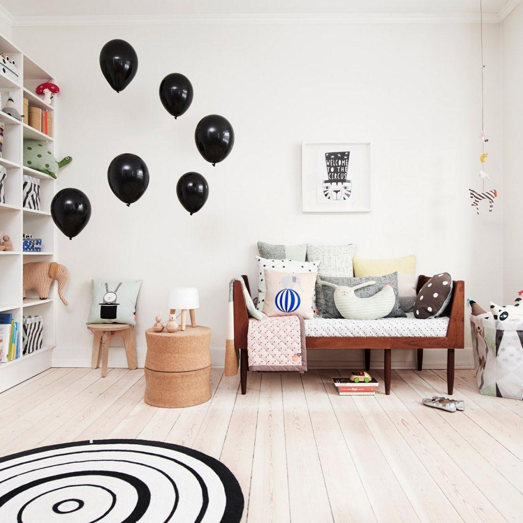 tapis rond blanc enfant chambre ballon - blog déco - clem around the corner