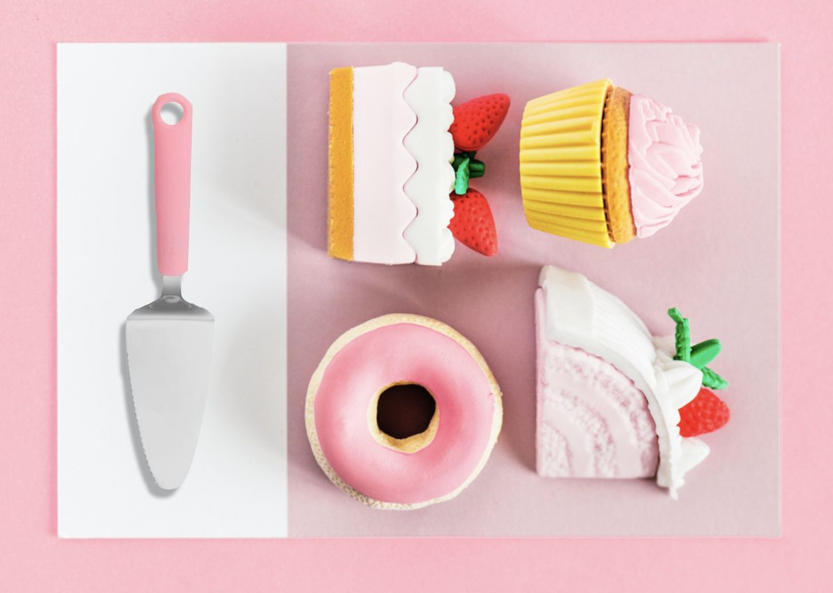 cuisine multicolore ustensile cupcake rose millennial pink kitchen - blog déco - clem around the corner