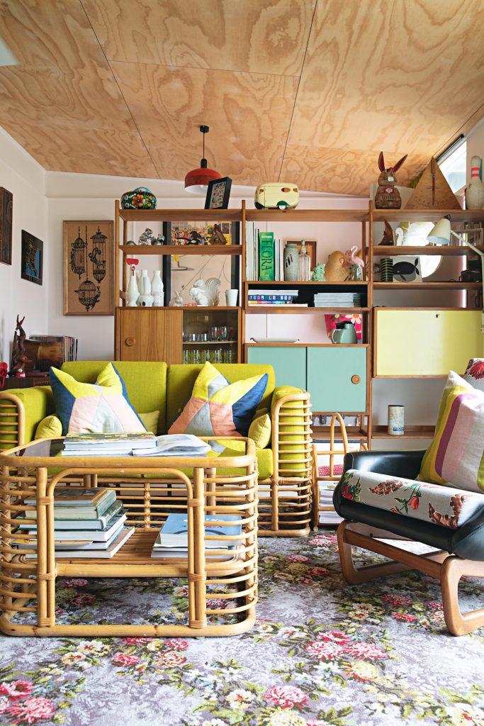 maison rétro australie bambou tapis vintage couleurs vert bois meubles - blog déco - clem around the corner