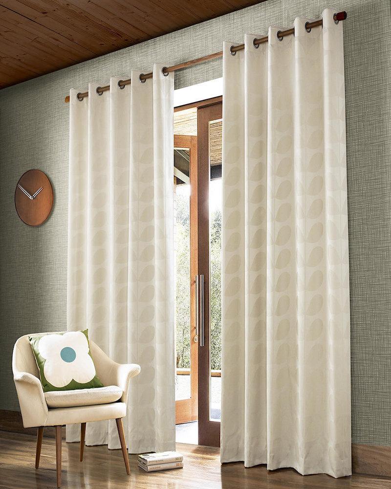 style rétro salon rideaux feuilles blanches - blog déco - clem around the corner