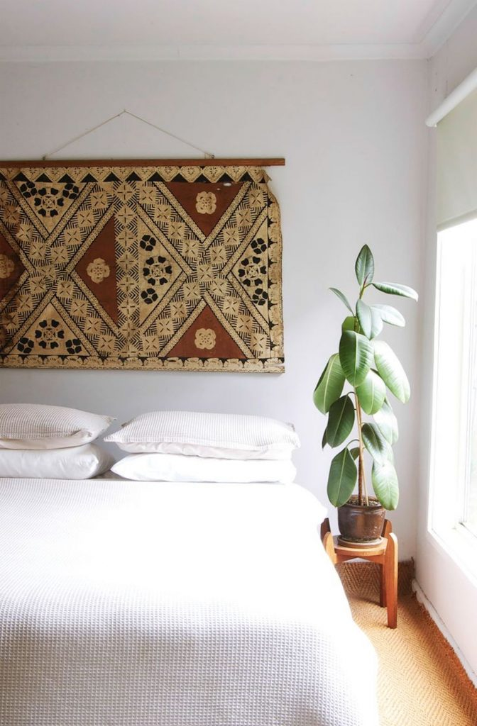 comment fixer un tapis au mur motif chambre plante - blog déco - clem around the corner
