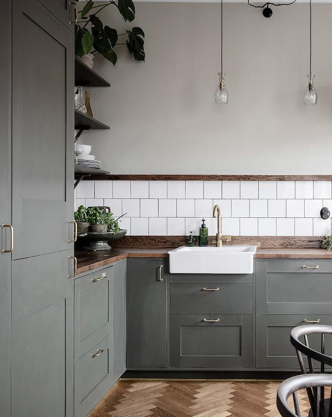 ambiance rustique cuisine kaki meuble bois - blog déco - clem around the corner
