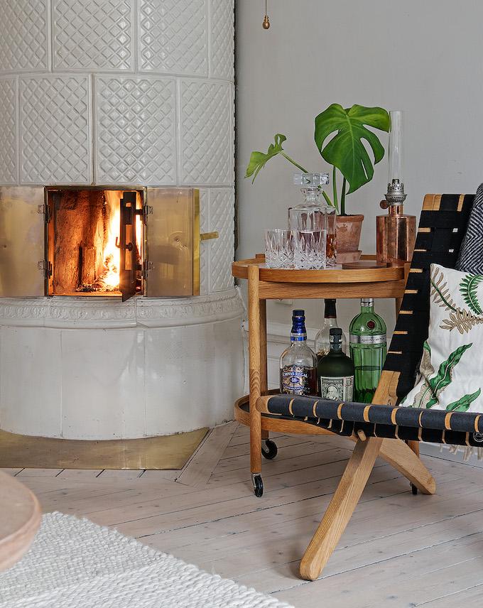 appartement suédois coin détente chaise feu - blog déco - clem around the corner