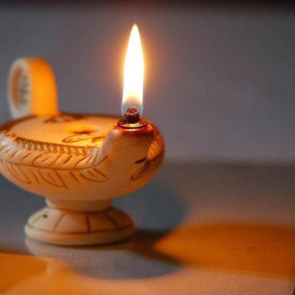 lampe à l'huile luminaire rétro vintage - blog déco - clem around the corner