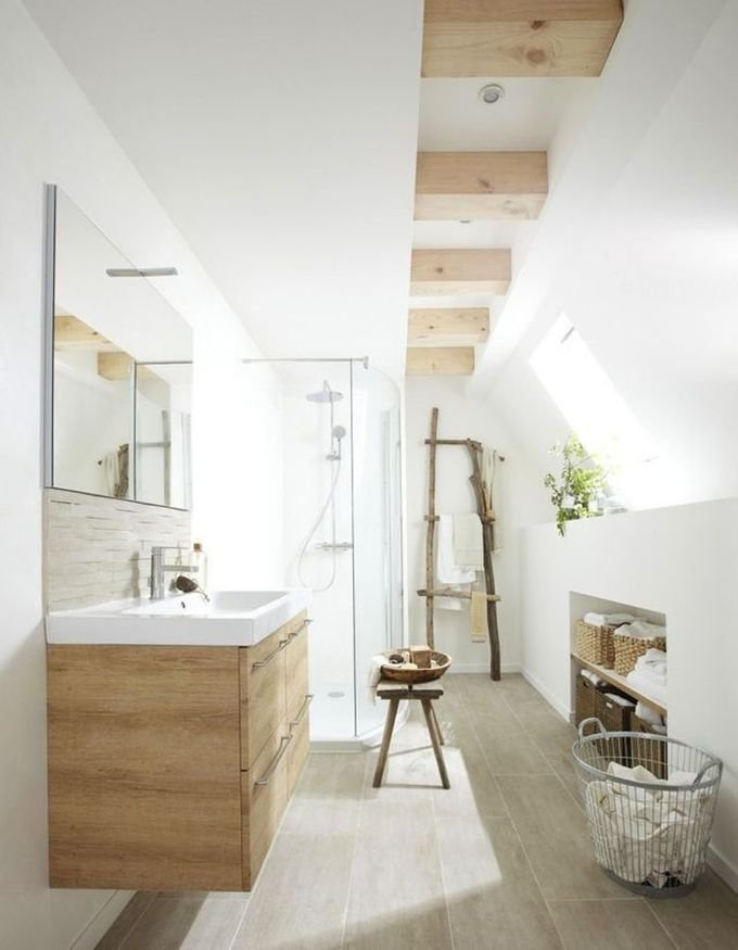 salle de bain ambiance zen mur blanc poutre bois échelle banc panier corbeille blog déco clem around the corner