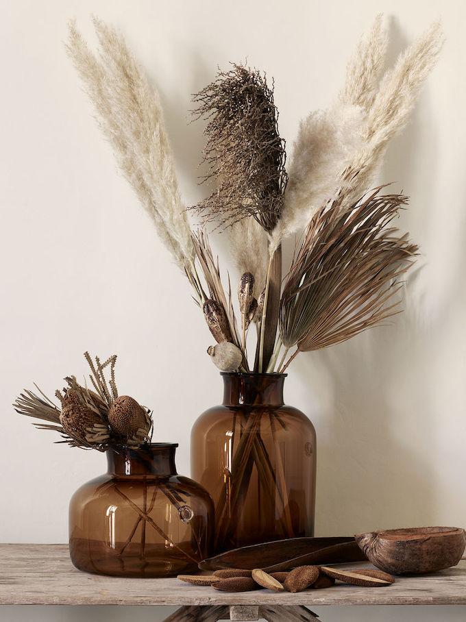 l herbe de la pampa vase bouquet de fleurs vase soliflore marron - blog déco - clem around the corner
