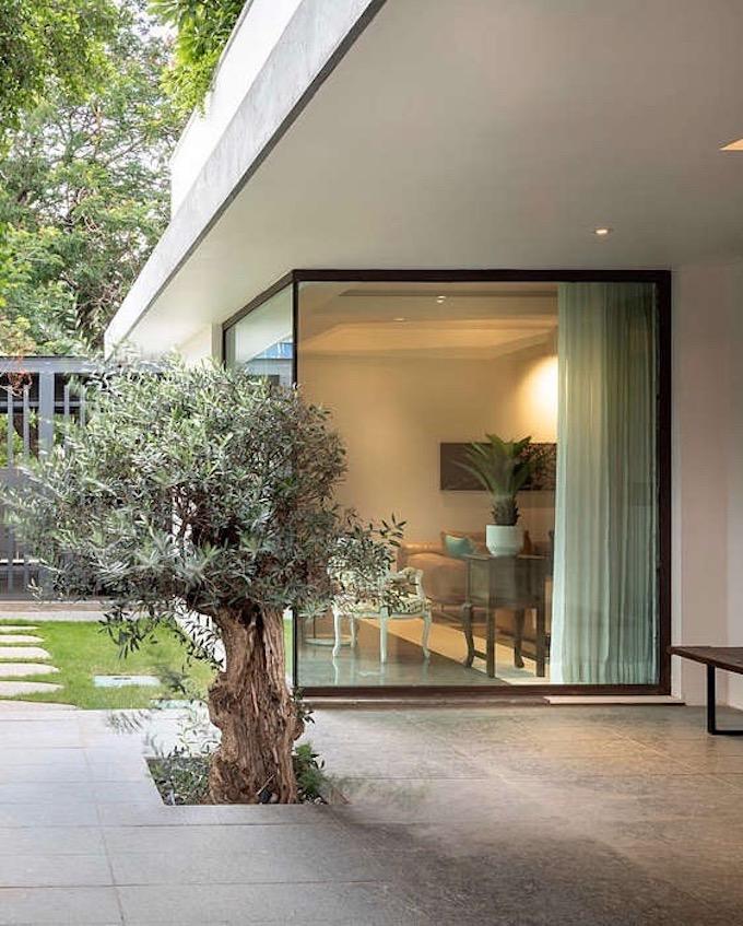 villa tropicale terrasse sol marbre - blog déco - clem around the corner