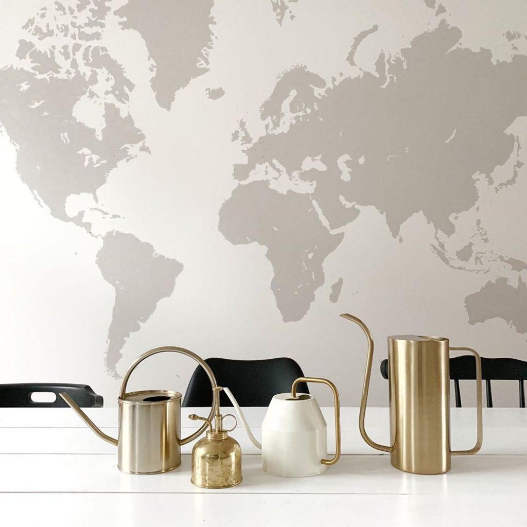 pierre papier ciseaux diy carte du monde déco table bois ustensiles laiton vintage - blog déco - clem around the corner