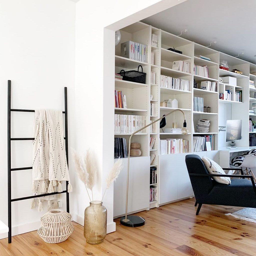 pierre papier ciseaux salon étagère parquet cosy rangement - blog déco - clem around the corner