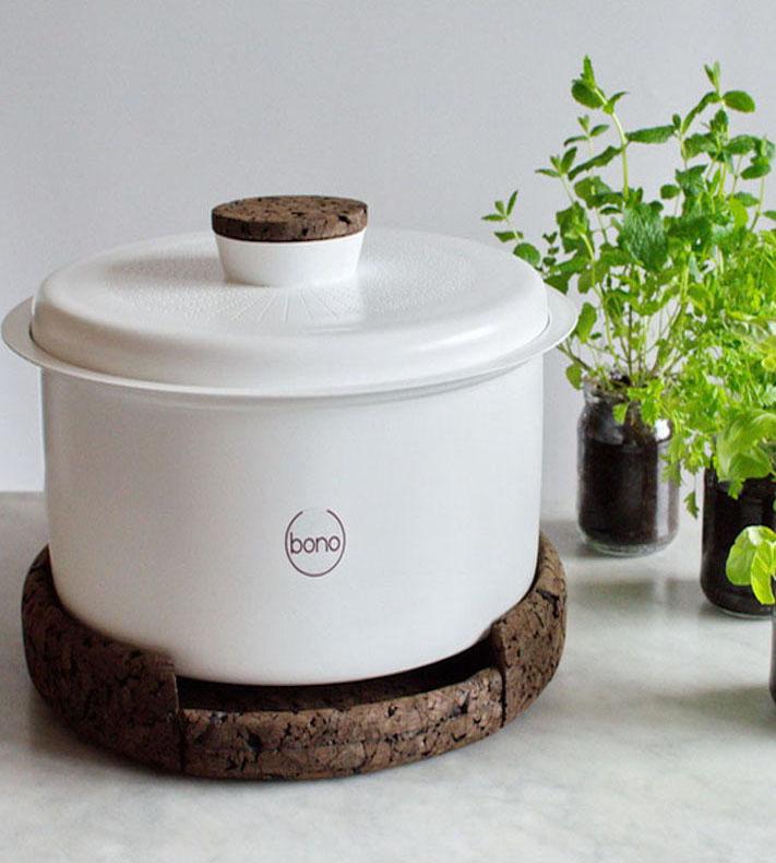 zéro déchet compost blanc cuisine rond support marron plante verte recyclage blanc - blog déco - clem around the corner