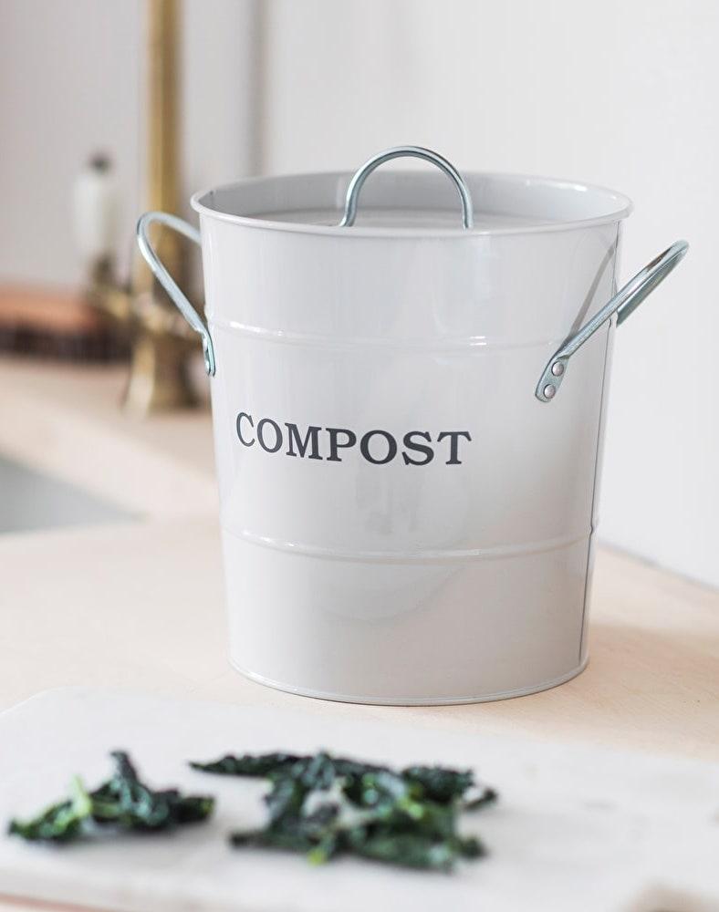 zéro déchet compost cuisine gris vintage plan de travail bois - blog déco - clem around the corner