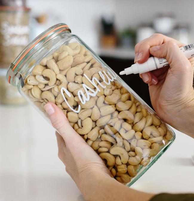 zéro déchet bocaux verre hermétique aliment sec fruit céréale personnaliser feutre blanc - blog déco - clem around the corner