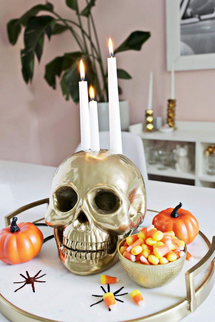 skull candle bougeoir tête de mort crâne centre de table bougie lanterne dorée