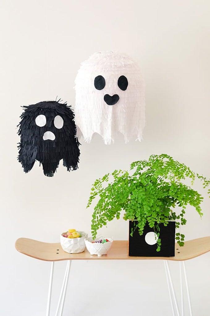 piñata fantôme enfant  à fabriquez soi même tutoriel - blog déco - clem around the corner