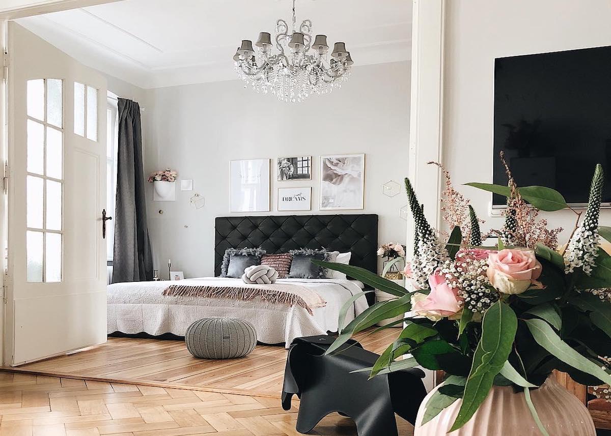 couleur pastel chambre salon vase oval rose clair éléphant bouquet fleuri plante verte - blog déco - clem around the corner