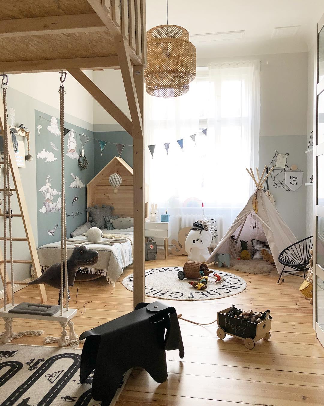 couleur pastel chambre enfant mezzanine lit cabane échelle bois balançoire intérieure tipi - blog déco - clem around the corner