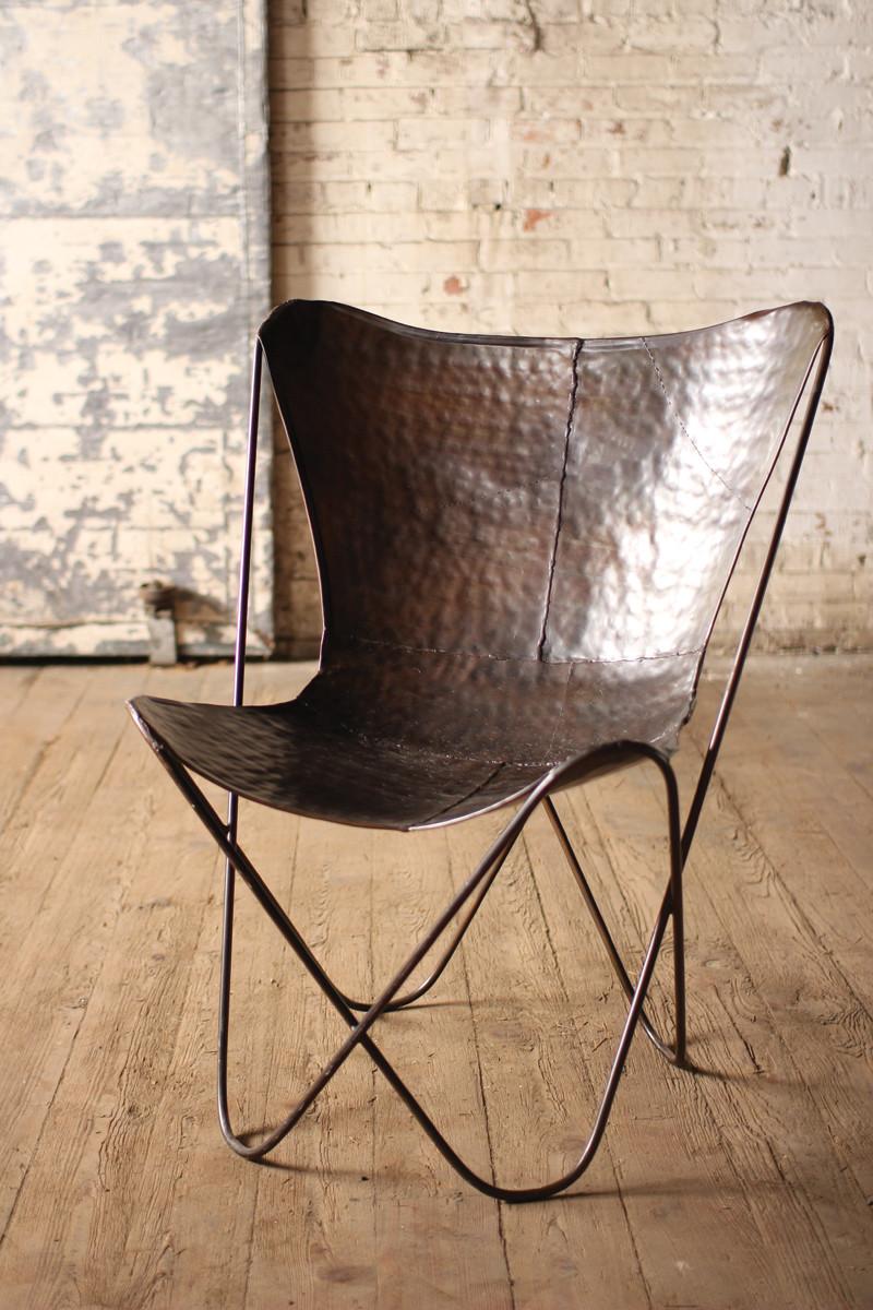 fauteuil butterfly fauteuil cuir sol parquet bois marron style rustique - blog déco - clem around the corner