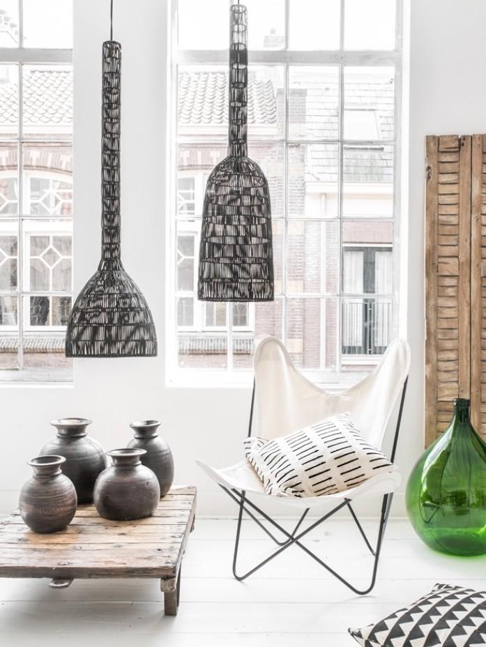 fauteuil butterfly fauteuil tissu blanc loft épuré parquet vase verre - blog déco - clem around the corner