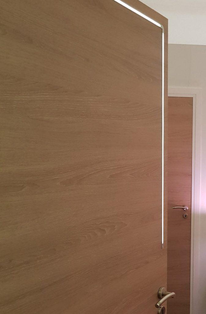 habitat connect porte bois bande lumière led poignet dorée - blog déco - clem around the corner