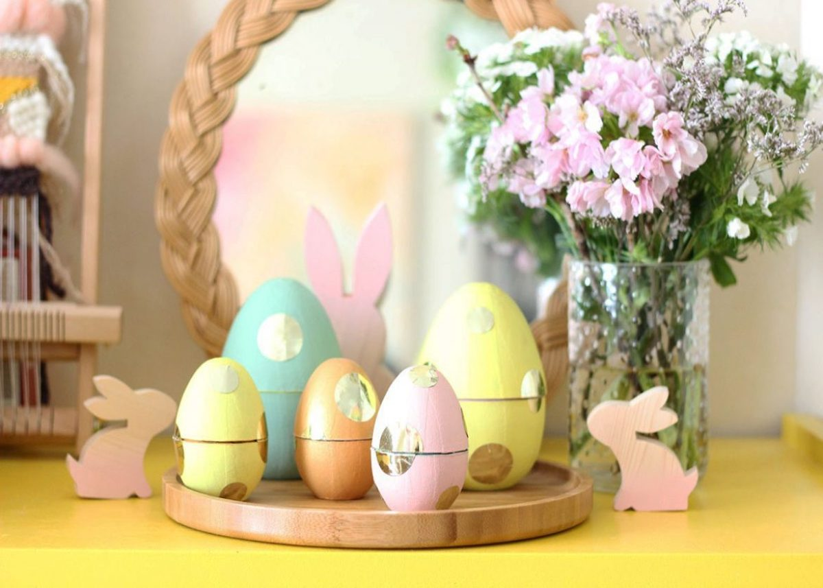 Pâques diy oeuf lapin bois plateau miroir jaune rose bleu