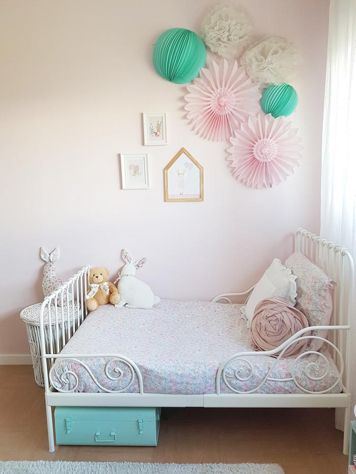 chambre rose et verte enfant pastel lit fer forgé - blog déco - clem around the corner
