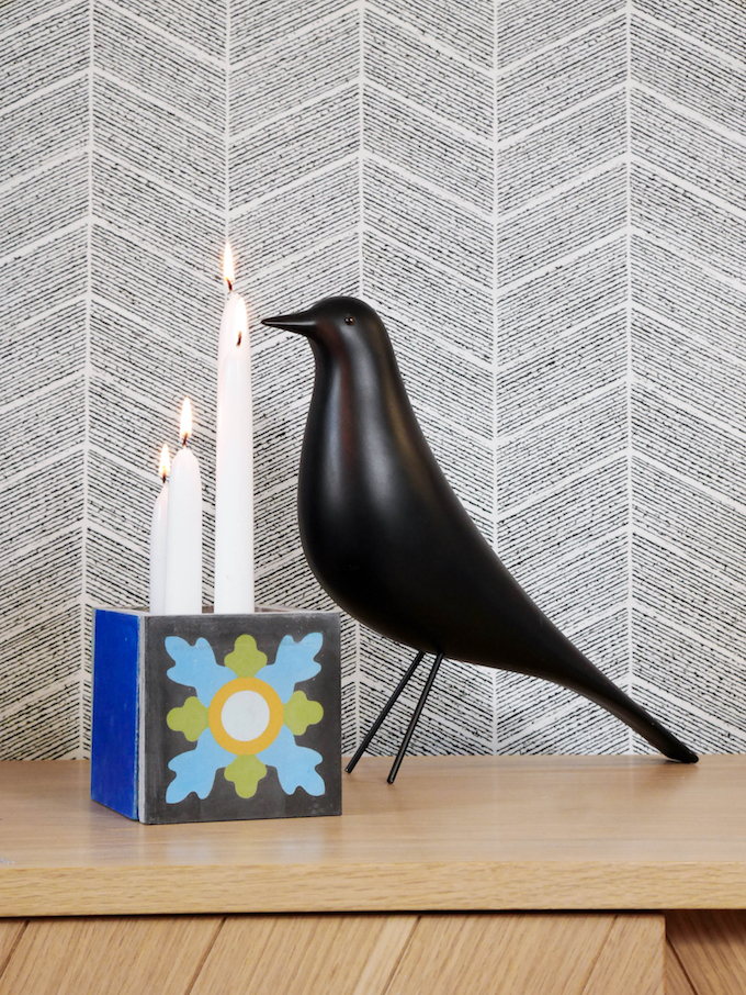 cache pot ciment noir bleu oiseau figurine bougie - blog déco - clem around the corner