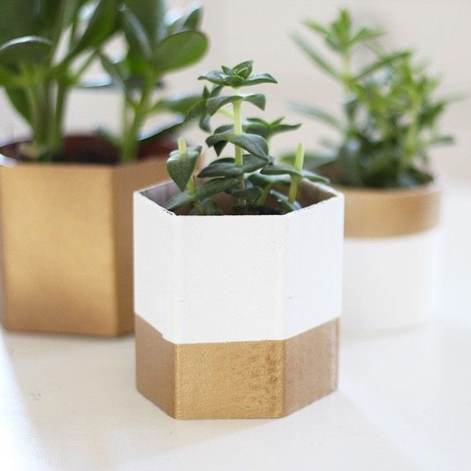 cache-pot DIY recyclage carton chic doré blanc petit diy facile rapide - blog déco - clem around the corner