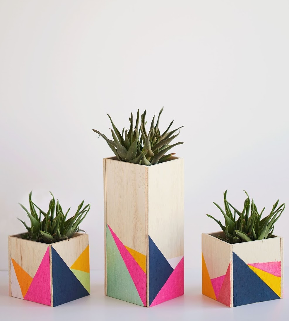 cache pot bois rectangle fluo design rose turquoise bleu orange - blog déco - clem around the corner
