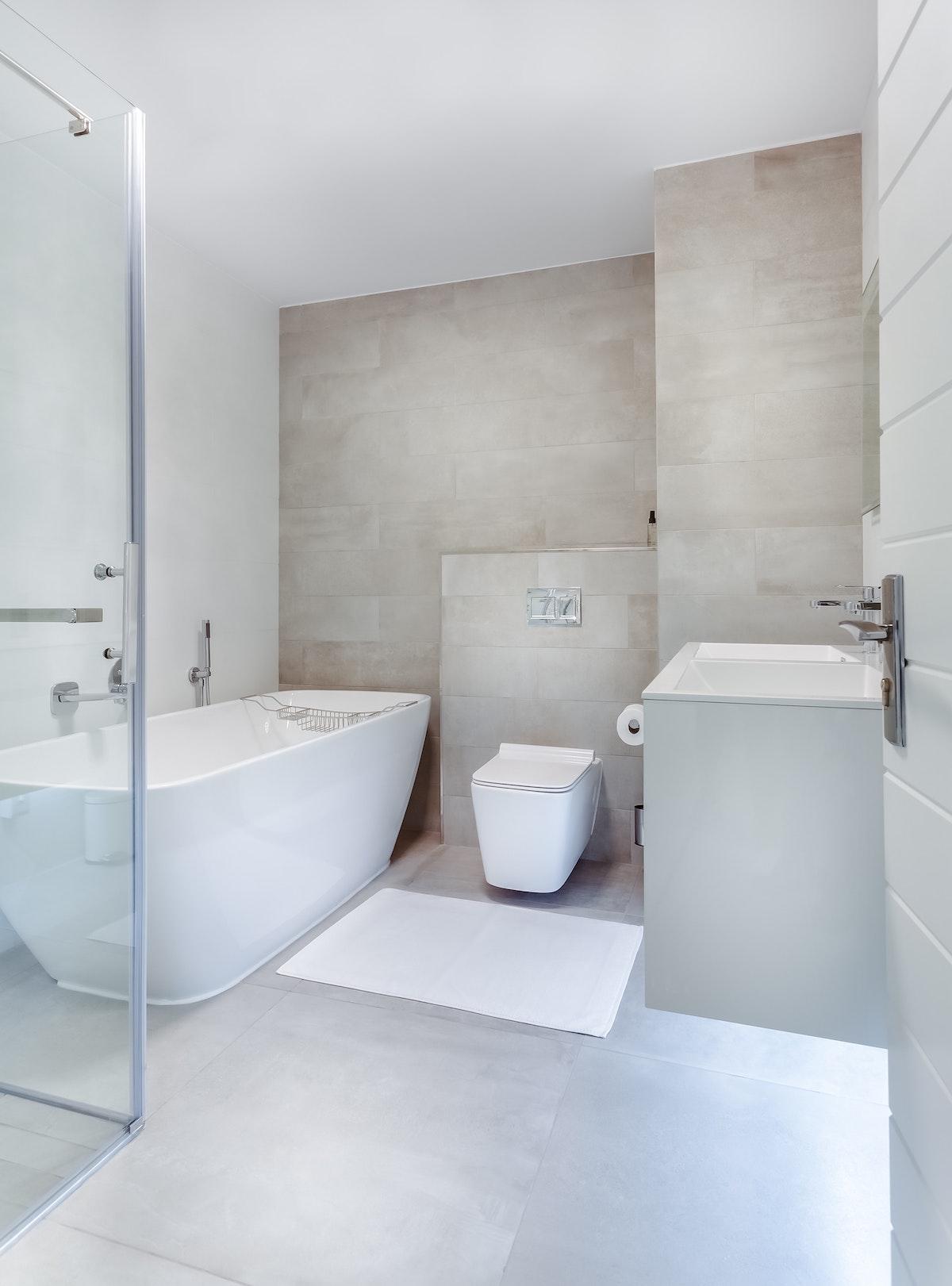 salle de douche carrelage hygge minimaliste effet béton ciré