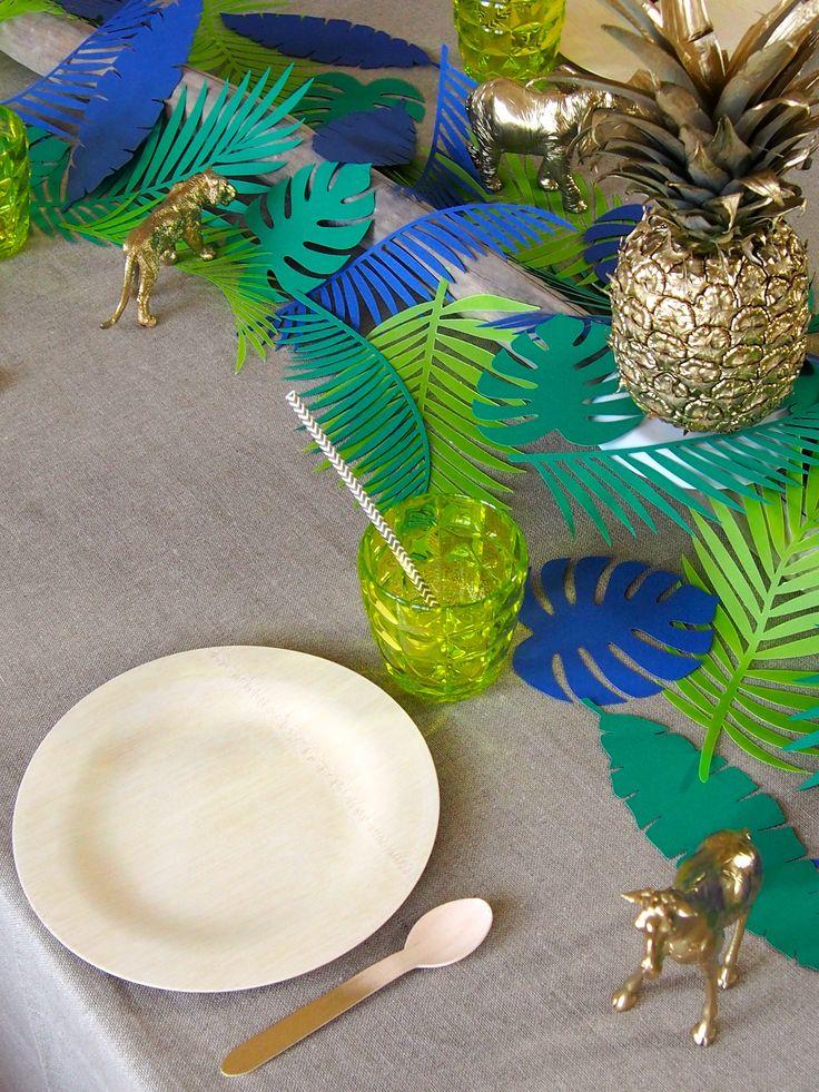 table style jungle diy feuille végétale papier nappe grise figurines animaux dorés - blog déco - clem around the corner.jpg