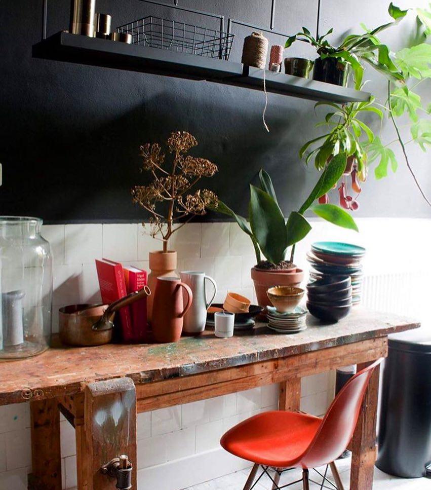 style éclectique cuisine originale bicolor chaise design scandinave - blog déco - clem around the corner